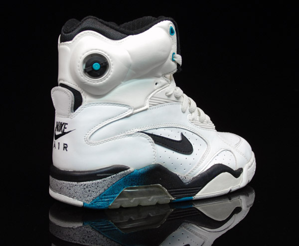 Nike Air Command Forcebasketball Shoes