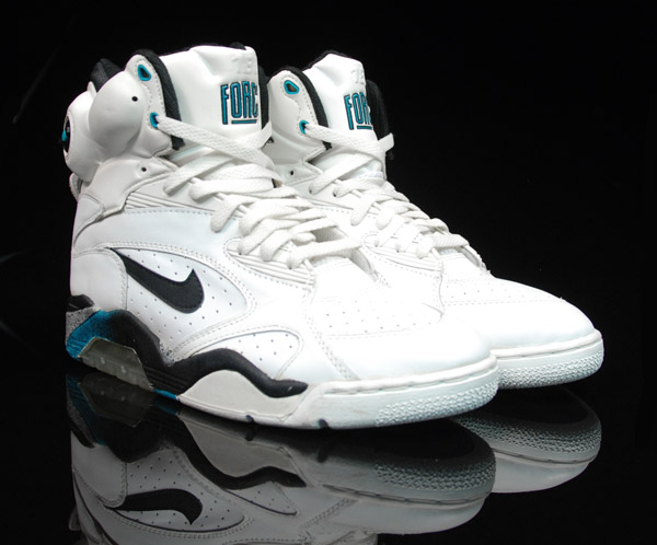 Apr 23, · The shoes of tomorrow -- today. And we're not just talking about the Nike Air Mag shoes from Back to the Future 2 now on sale: here's a selection of shoes from Nike.